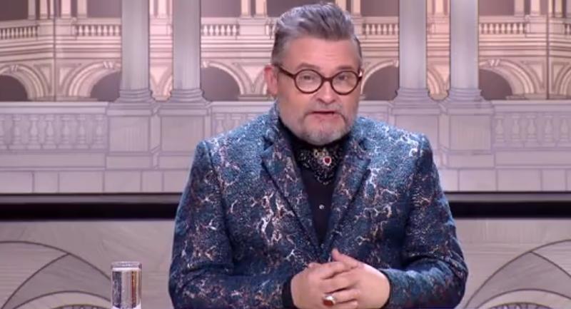"Александр Васильев: ""Мода-2020 безусловно запомнится яркими футуристическими, огромными кроссовками"""