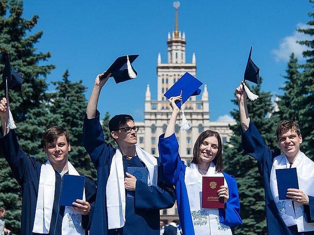 """Дипломы российских вузов могут получить """"сроки годности"""": многие недовольны таким нововведением"""