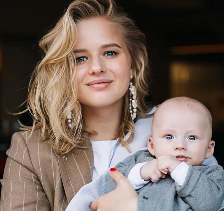 Мама молодая: Александра Бортич поделилась с подписчиками фото с 4-месячным сыном