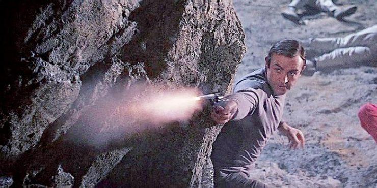 Мини-ракета и реактивный ранец: 10 лучших гаджетов Джеймса Бонда