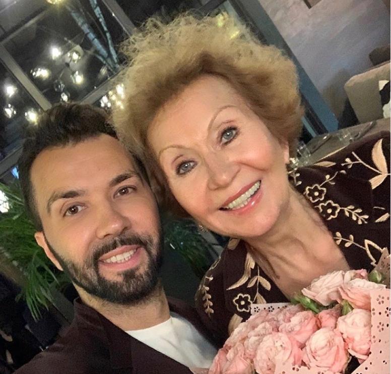 Илья Олейников был 40 лет женат на Ирине Клявер. Как она живет сегодня