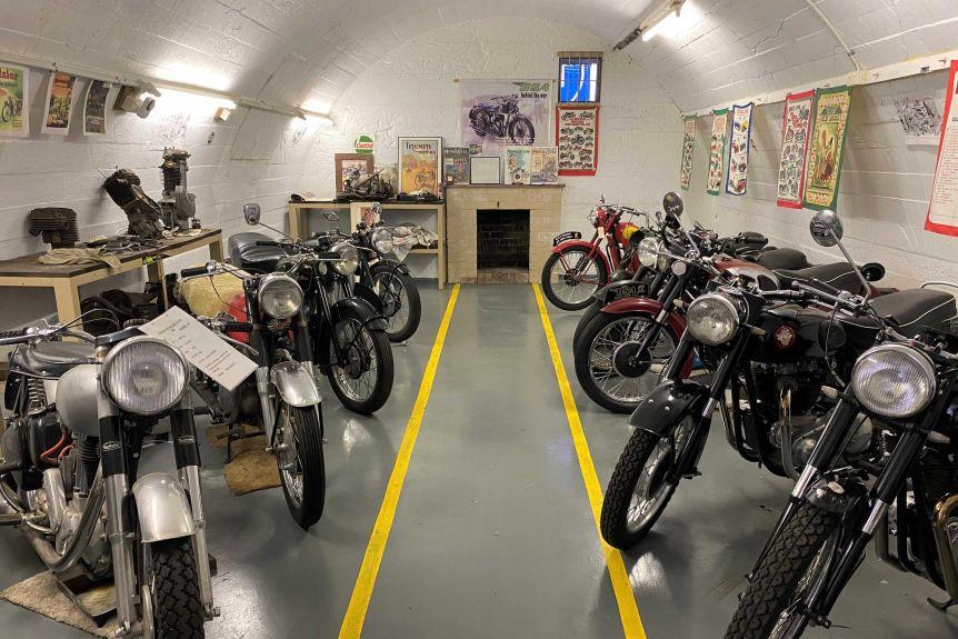 Штат Вашингтон: в бункере времен Второй мировой войны скрывается коллекция старинных мотоциклов, в том числе Triumph 1916 года