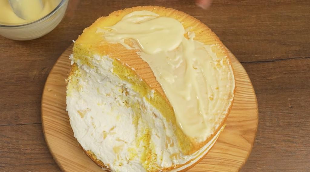Даже есть жалко: кондитер приготовила особый торт к своему дню рождения