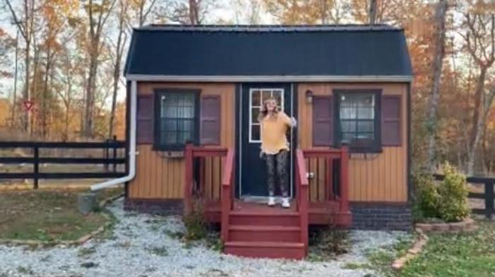 Здесь есть даже загон для коз: американцы построили детям небольшие домики, чтобы каждый чувствовал себя независимым