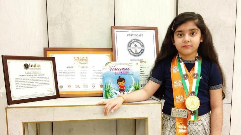 «Счастье повсюду»: 7-летняя Абхиджита из Индии была признана самым молодым автором в мире