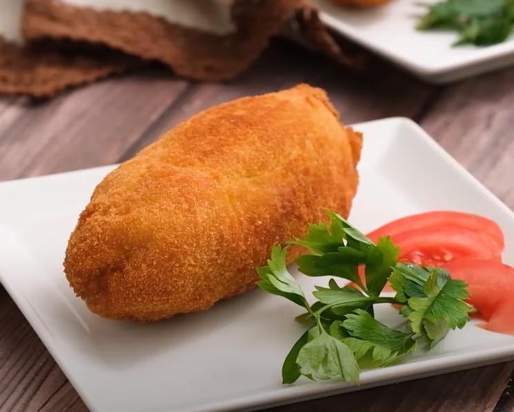 Открыл для себя новый способ приготовления куриной грудки: немного отбиваю мясо и заворачиваю в него шашлычок из овощей (рецепт)