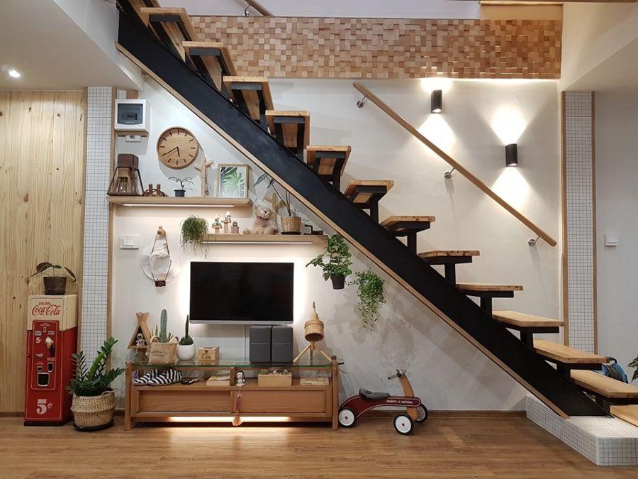 Решив сэкономить, парень превратил свой старый дом в уютное жилище со стильным интерьером (фото)