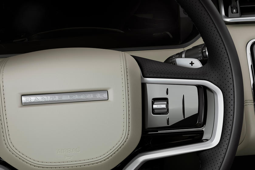 До 100 км/ч всего за 5,2 секунды: Range Rover Velar обзавелся новыми моторами