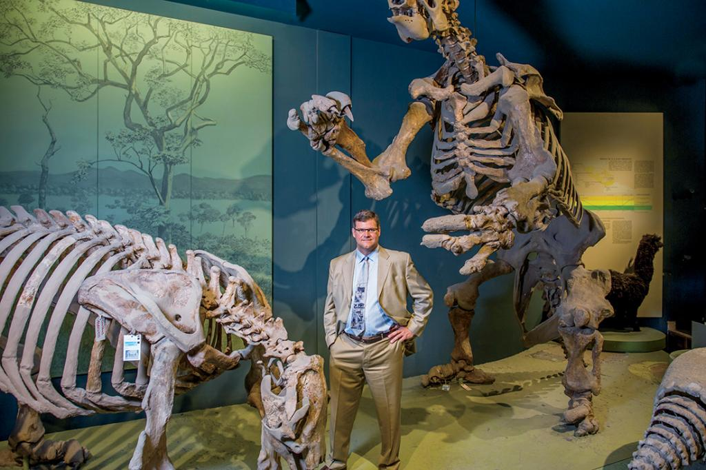 """Ученые теперь смогут изучить найденные еще в 2006 году прекрасно сохранившиеся окаменелости """"дуэльных"""" динозавров"""
