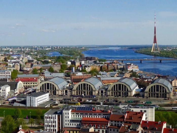 Интересные факты о Латвии: здесь самые высокие девушки в мире, а на церквях петухи вместо крестов