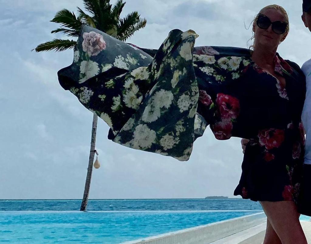 Шикарно жить не запретишь. Анастасия Волочкова с тайным женихом отдыхает на Мальдивах (фото)