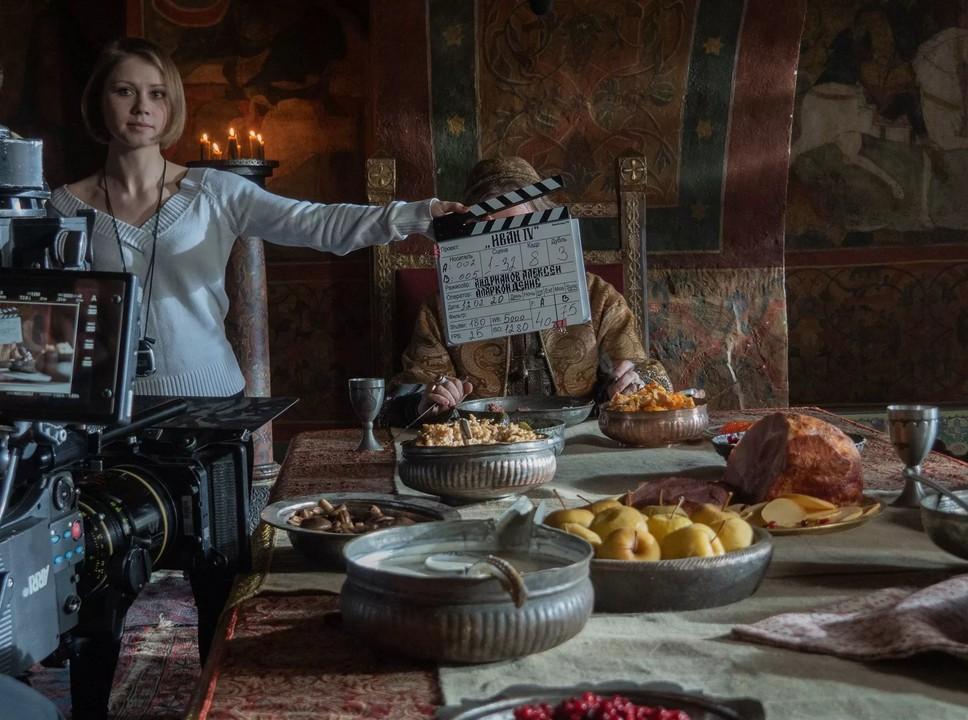"""Масштабная историческая сага """"Грозный"""" завоевывает малые экраны: подлинная история, аутентичный колорит эпохи и больше сотни актеров"""
