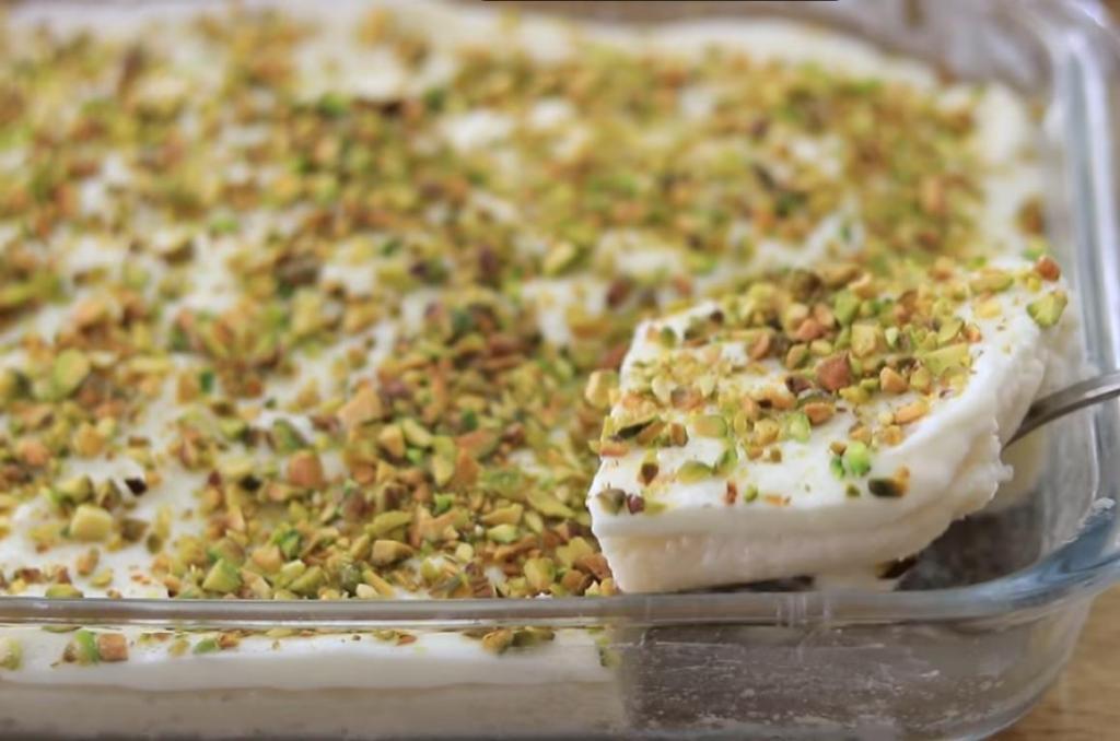 """Десерт с красивым названием """"Ливанские ночи"""" с первой ложки влюбил в себя. Розовая вода замечательно дополняет сливочный вкус"""