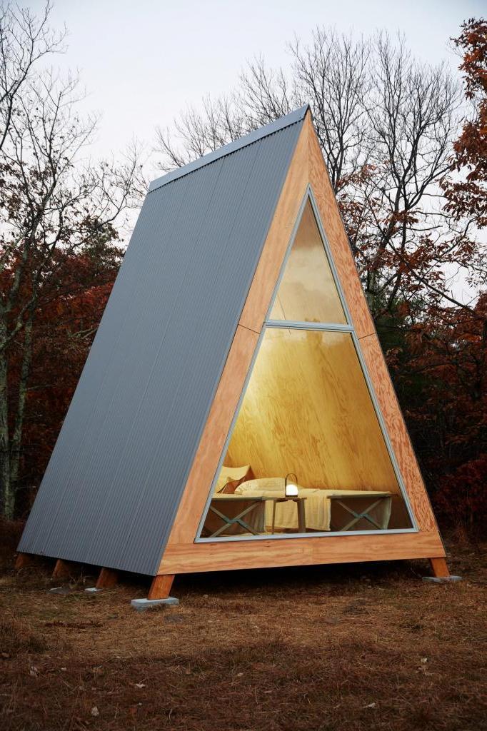 """Компания разработала дом для отдыха на природе площадью 10 """"квадратов"""", который можно собрать за несколько дней"""