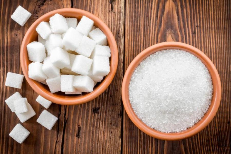На продукты с лишним сахаром и солью хотят ввести акцизы: как это отразится на цене фастфуда и газировки