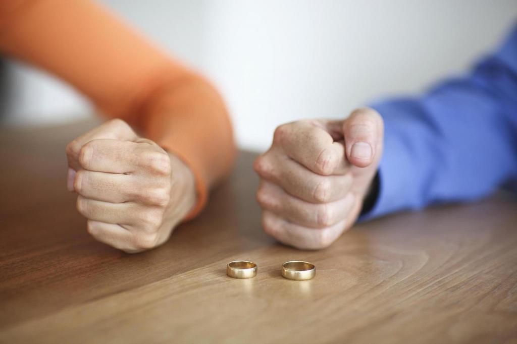 """""""Будут оцифрованы сведения с 1926 года"""": в России перестанут выдавать свидетельства о разводе"""