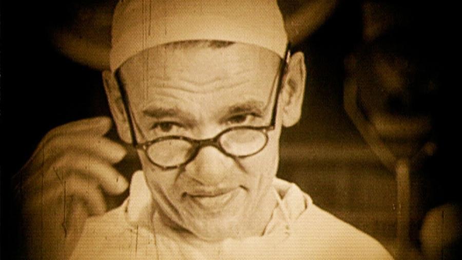 Простое упражнение, с которого начинал каждый свой день хирург Углов. Он прожил почти 104 года, сохранив ясный ум и крепкое здоровье до глубокой старости