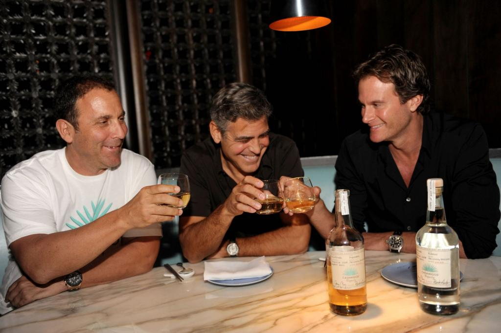 """""""Они помогли мне, когда мне была нужна помощь"""": Джордж Клуни рассказал историю о том, как раздал 14 млн долларов своим друзьям"""