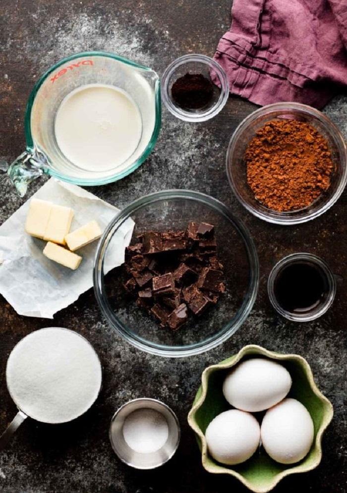 Гибрид брауни и шахматного пирога: нашла потрясающий рецепт шоколадной выпечки к чаю