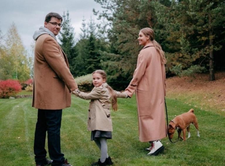 Раздел дома за 100 миллионов и новые избранники. Стали известны подробности развода Харламова и Асмус