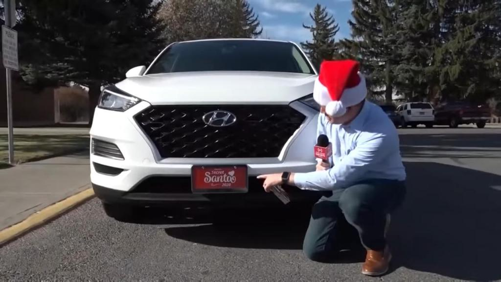 В ближайшее время он не раскроет свою личность: таинственный Санта-Клаус из Айдахо раздает семьям 500 000 $