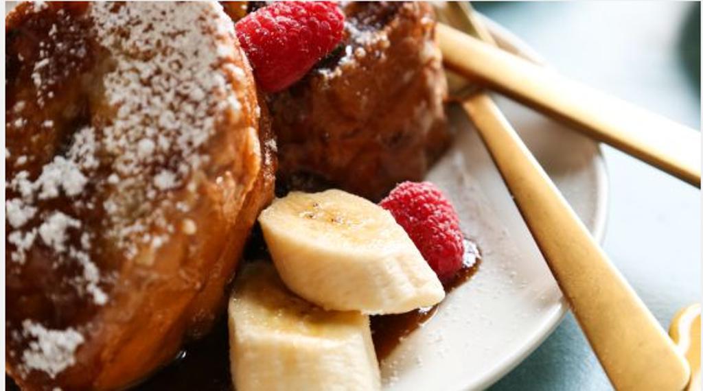 Французские тосты с бананами и соусом. Готовлю на завтрак или если нужно по-быстрому перекусить
