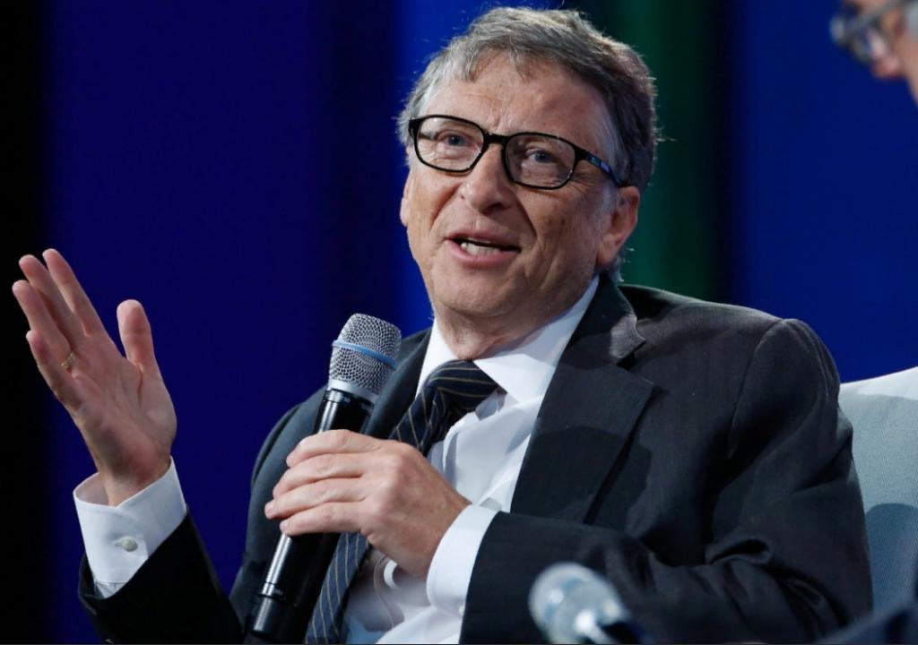 Билл Гейтс рассказал, как будет развиваться ситуация с COVID-19 в ближайшие полгода (его прогноз звучит неутешительно)