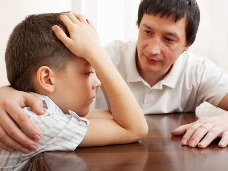 Представьте себя партнером, который помогает решать проблемы: как вести себя родителям, если ребенок быстро сдается, сталкиваясь с трудностями