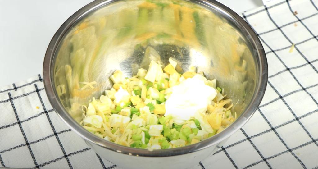 Сырная галета просто покорила меня вкусом: готовится легко, съедается в один миг