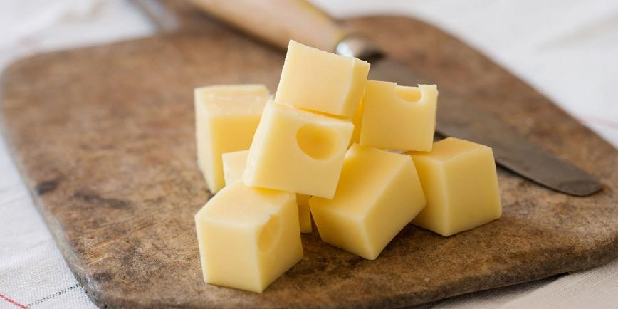 Курица, сыр, бананы и курица: на праздники часто делаю необычный салат