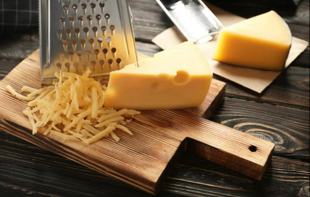 Сырные чипсы с орехами и тимьяном: готовлю их за день до праздника