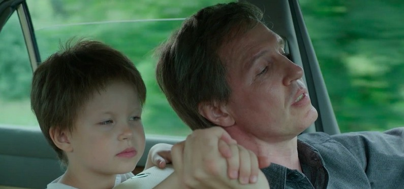 """""""Сколько ни говорю, все равно не верят"""": Алексей Учитель уверяет, что в фильм «Цой» его дочь прошла на общих основаниях"""