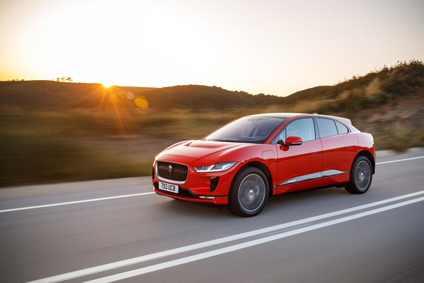 """Испытание технологий: Jaguar Land Rover построит """"умный"""" город для тестирования автомобилей без водителя"""