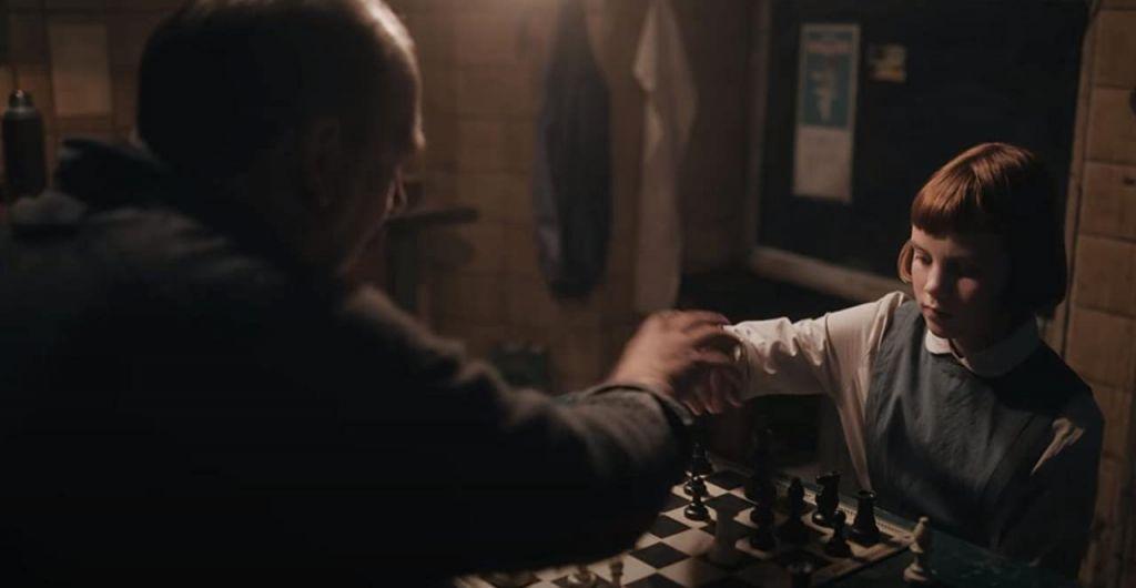 """Вдохновляющая история про талантливую шахматистку: жизненные уроки, которые можно извлечь из сериала """"Ход королевы"""""""
