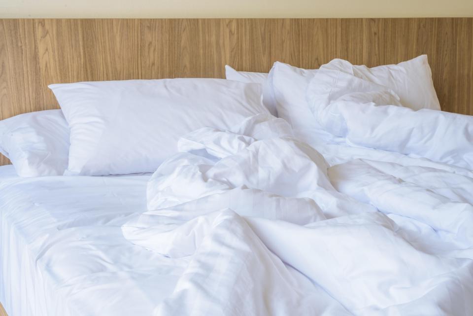 Проснувшись утром, кровать не заправляю: причине не в лени, а в гигиене