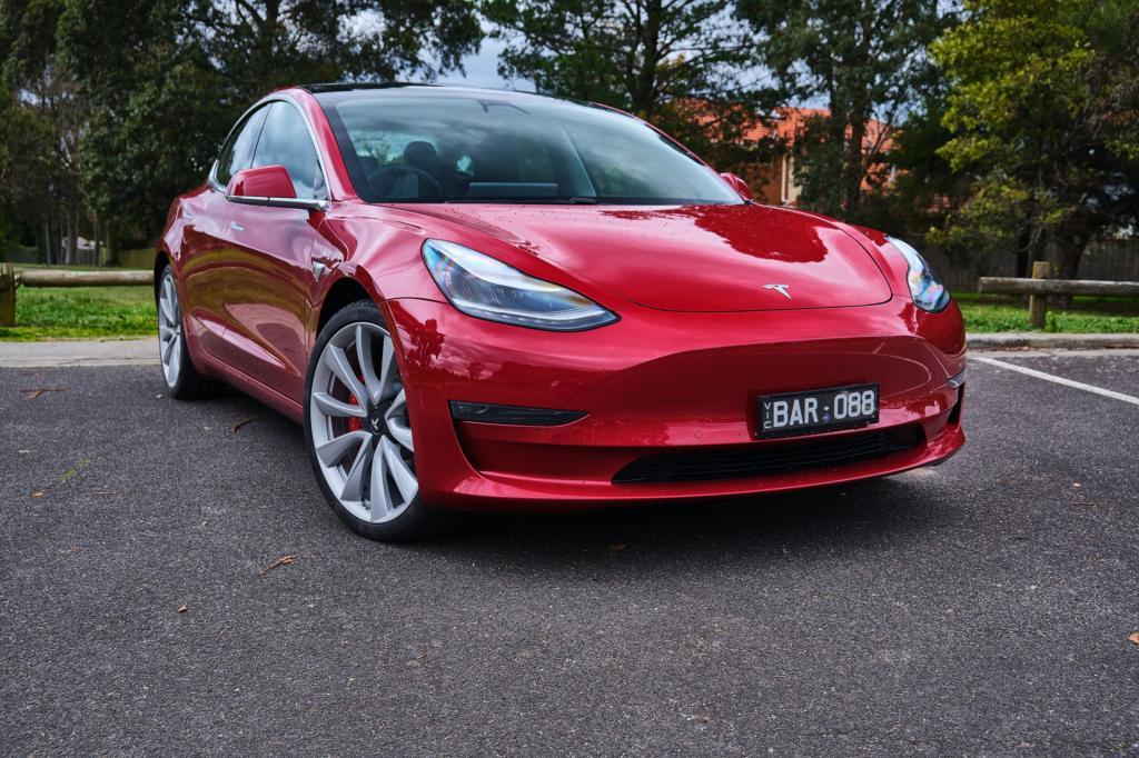 Сэкономить больше не получится: дешевая Tesla Model 3 за $ 35 000 уходит с рынка