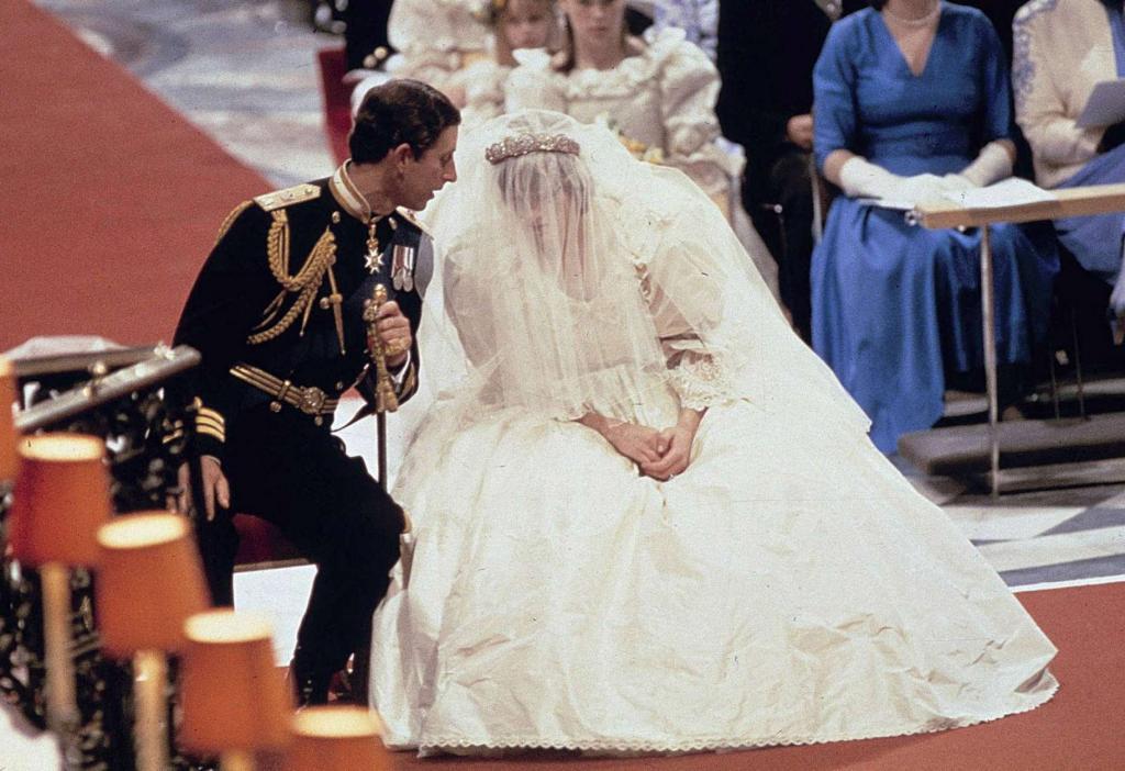 """Для принцессы Дианы день ее свадьбы был """"худшим днем жизни"""": в этом она признавалась родственникам и друзьям"""