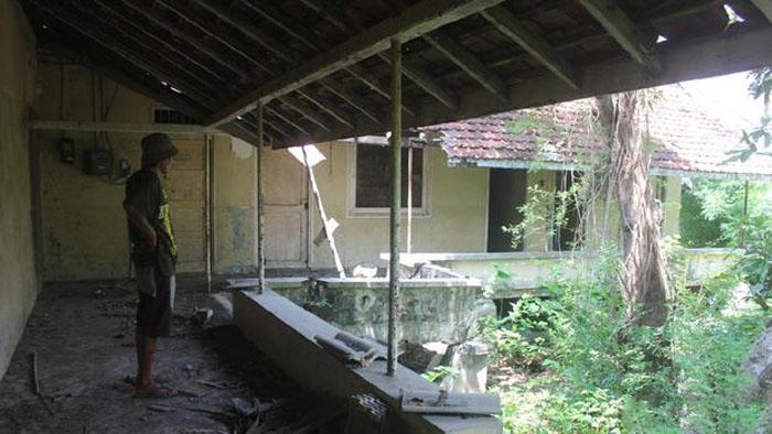 Наследие колониальной эпохи: в Центральной Яве сохранился дом-бомбоубежище странной формы