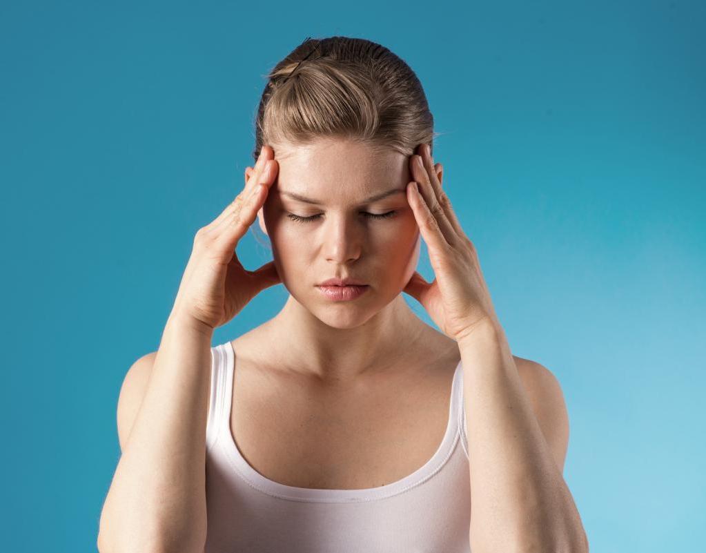 Неврологи объяснили появление проблем с памятью и вниманием у людей после COVID-19