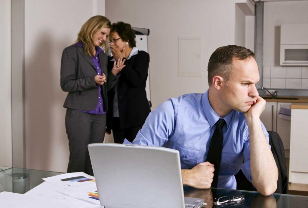 Не игнорируй мои сообщения! Портал Superjob составил рейтинг наиболее раздражающих привычек коллег в офисе и на удаленке