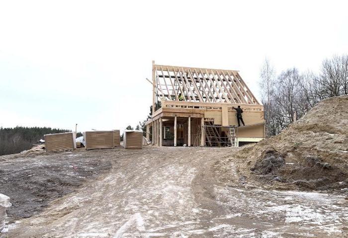 Уважение к природе и функциональность. Построив новый дом на месте старого, молодожены осуществили мечту о красивой жизни