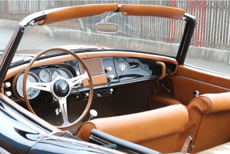 Редкий родстер BMW со ставками выше 1,5 млн $ может стать самым дорогим автомобилем, когда-либо проданным на аукционе: модель была выпущена в конце 1950-х гг. в количестве всего 250 экземпляров