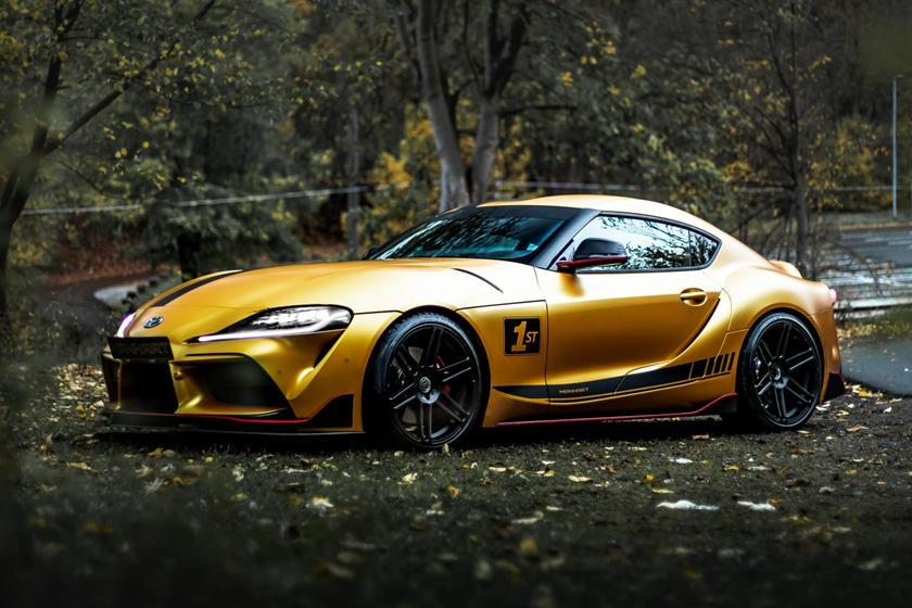 Потрясающий новый вид спорткара: Manhart превратил Toyota Supra в 550-сильное купе с золотым кузовом