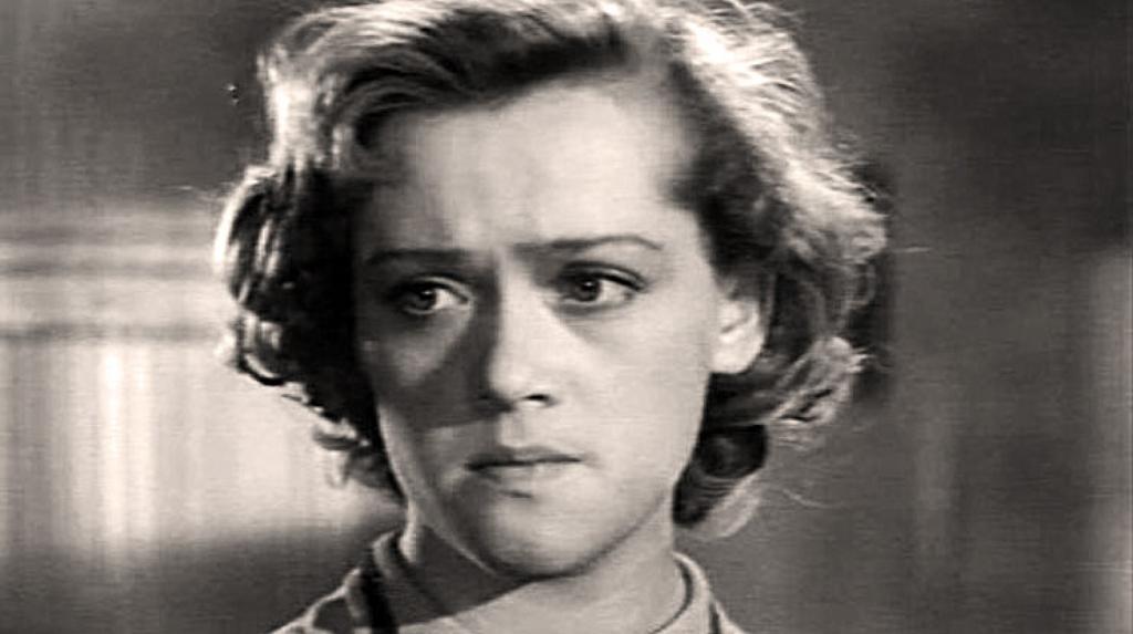 """Алисе Фрейндлих 8 декабря исполнилось 86 лет: судьба и фото известной """"Мымры"""" советского кино"""