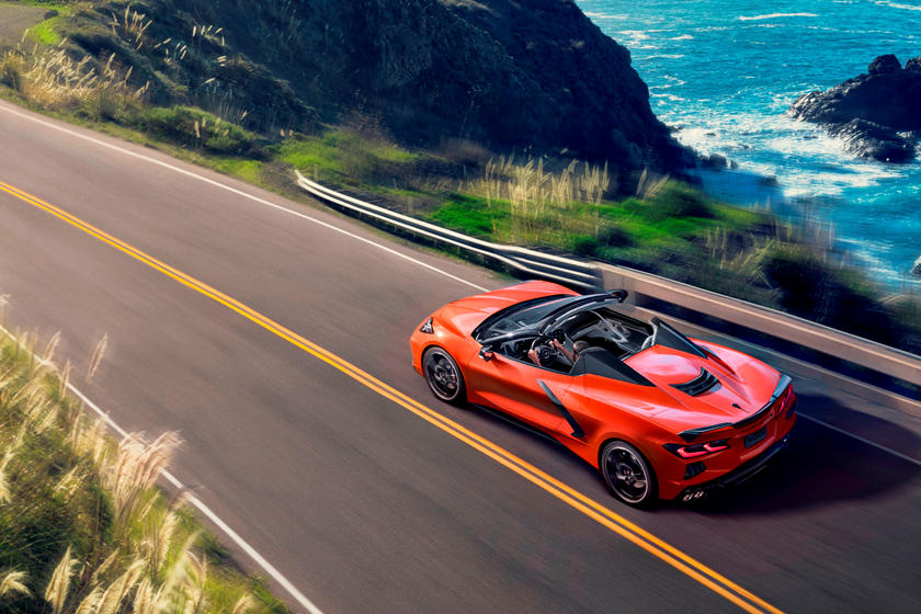 Пандемия превратила его в коллекционный автомобиль: так будет выглядеть финальный Chevrolet Corvette 2020 года