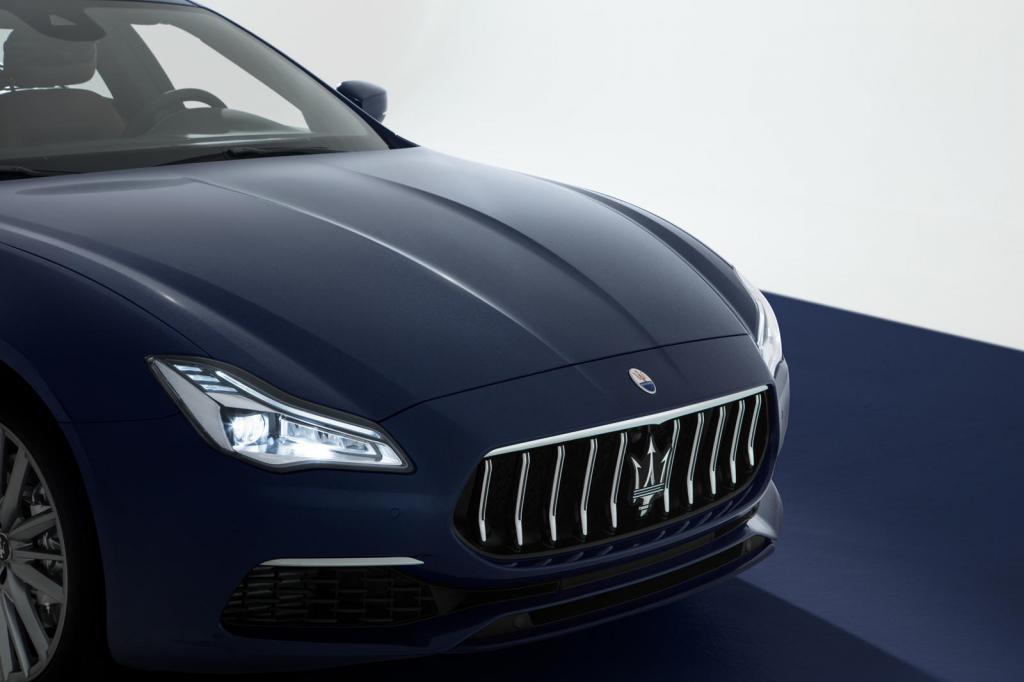 Новая решетка радиатора и современный дизайн: Maserati модернизировала экстерьер и интерьер трех авто