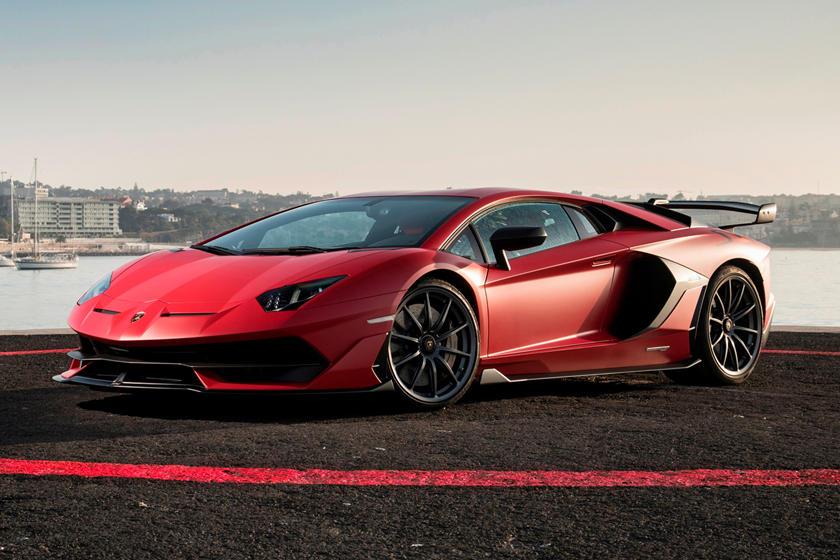Гендиректор Lamborghini и Bugatti заявил, что их полностью электрические модели могут появиться только через несколько лет