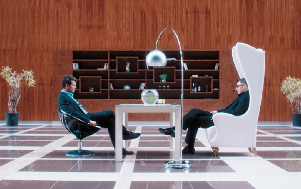 """Корпорация, торгующая чувствами: в январе выходит фильм Полины Ольденбург """"Корпорация Ad Libitum"""""""