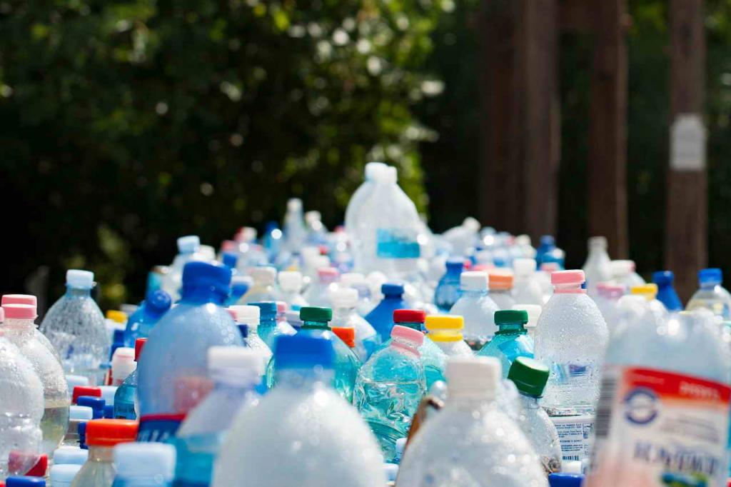 Пластик преодолевает тысячи километров за пару месяцев: как новые технологии помогают в борьбе с загрязнением планеты (исследования ученых на реке Ганг)