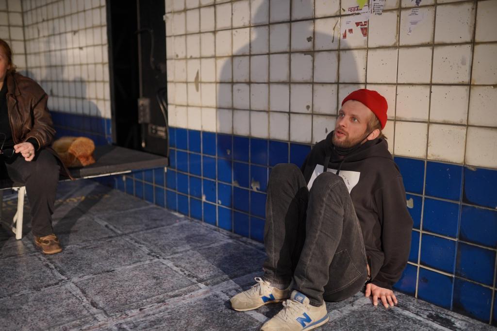 """Новый спектакль """"Киса"""": в """"Приюте комедианта"""" переосмыслили личность Кисы Воробьянинова"""